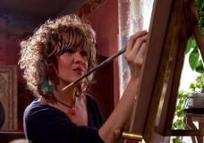 La pittrice degli angeli in mostra a Scicli