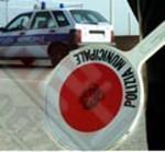 La Polizia Locale sequestra merce ad un ambulante, a Marina di Ragusa