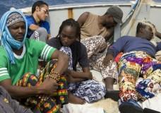 """Pozzallo – Medici senza frontiere lascia il Centro di accoglienza: """"Non ci sono condizioni per collaborare"""""""