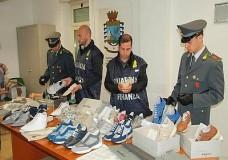 A Santa Croce Camerina, Modica, Scicli, Scoglitti e Donnalucata scoperti dalla GDF 400.000 articoli contraffatti e pericolosi