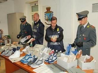 finanza scarpe contraffatte
