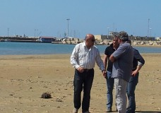 Pozzallo, l'assessore all'Ecologia Francesco Gugliotta già all'opera: la pulizia delle spiagge il primo impegno in agenda