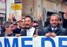 """Arriva il primo stipendio per i parlamentari regionali, 11.700 euro in un mese di """"lavoro"""". I Grillini mantengono la promessa e organizzano il """"Restituation day"""""""