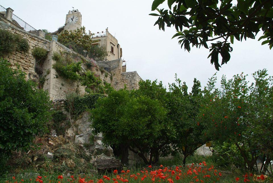 Modica giardini sonori iniziativa del club unesco per - Giardini per ville ...