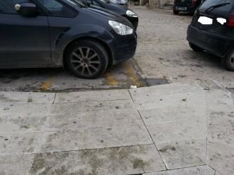 auto in sosta disabili 3
