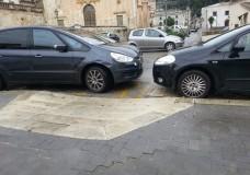 Scicli – Automobilisti maleducati o mancato servizio dei Vigili Urbani?