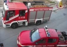 vigili del fuoco, camion e macchina