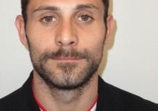 Ragusa – Con la droga in auto, tenta la fuga ma i Carabinieri lo bloccano e lo arrestano