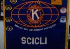 """Scicli – """"U ruppu ra cravatta"""" ha inaugurato la decima Stagione Teatrale del Kiwanis Club"""
