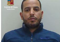 Ragusa – Si presenta per ritirare il permesso di soggiorno all'ufficio immigrazione, la Polizia lo arresta