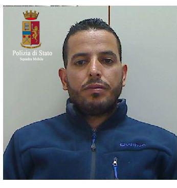 Ragusa si presenta per ritirare il permesso di soggiorno for Ufficio immigrazione treviso permesso di soggiorno