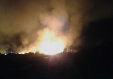 Vasto incendio a Marina di Modica, fiamme alte 30 metri