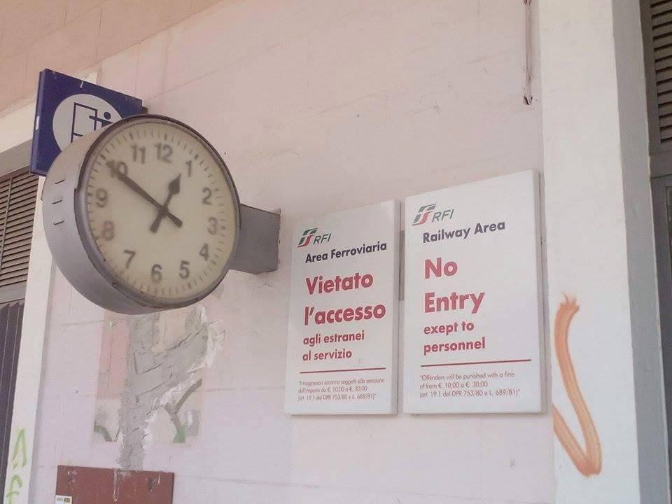 treno merci orario stazione