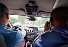 carabinieri in auto