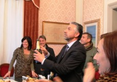 Modica – Conferenza stampa di fine anno a Palazzo San Domenico. Un 2015 migliore dell'anno precedente. Il sindaco elenca interventi e numeri
