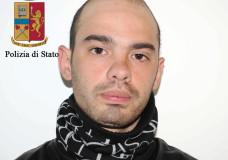 Ragusa – Stava cedendo droga a minorenni. Arrestato lo spacciatore Alessandro Scatà