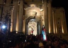 Modica – La Madonna Vasa Vasa incontrerà per la prima volta San Giorgio, la sera di Pasqua