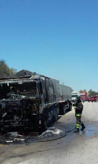 autotreno in fiamme2