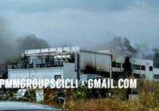 Un incendio distrugge l'azienda AVIMECC