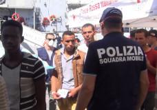La Polizia di Ragusa ferma altri 5 scafisti