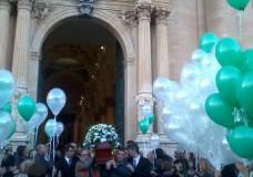 """Ragusa – I funerali di Pamela Canzonieri. Mons. Cuttitta: """"Un gesto d'una crudeltà terrificante"""""""