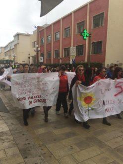 manifestazione pozzallo violenza sulle donne 1