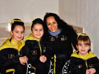 Kudos Modica - Campionati Interprovinciali Endas - Ispica 29 gennaio2017 - Le allieve della Kudos con il tecnico Sabina Vindigni