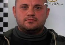 Vittoria – Fa irruzione al Comune, danneggia porte e ferisce un poliziotto. Finisce arrestato Vittorio Latino