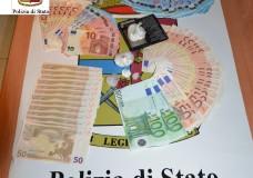 Modica – Coppia di spacciatori arrestati dalla Polizia. Sequestrata sostanza stupefacente, banconote false e numeroso contante