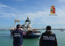 Arrivano a Pozzallo oltre 400 migranti. Segnalati diversi casi di scabbia
