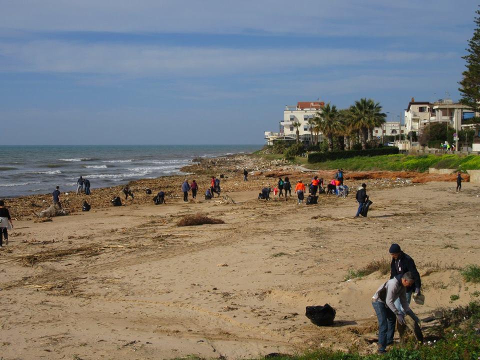 pulire spiaggia 4