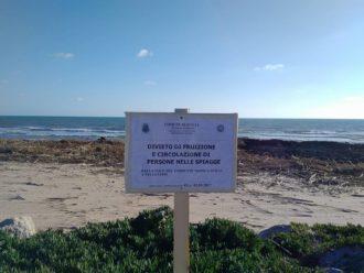 divieto entrare spiaggia