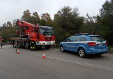 Incidente stradale autonomo sulla Pozzallo-Ragusa. Esce fuori strada e si ribalta il mezzo