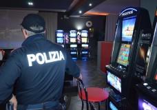 Modica – Controlli nelle sale gioco e centri scommesse. La Polizia di Stato denuncia una persona