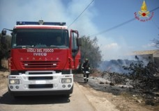 Ispica – Rotoballe in fiamme
