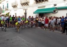 Giovanissimi sui pedali nel centro storico di Scicli
