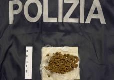 Vittoria – Antidroga. La Polizia sequestra stupefacente e denuncia un giovane vittoriese