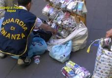 La GDF sequestra prodotti contraffatti. Sequestrate anche oltre 2 tonnellate di frutta