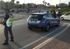 Volanti e moto d'acqua della Polizia di Stato a presidio del Ferragosto a Marina di Ragusa