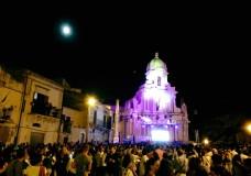 Scicli – Stasera si balla la Taranta. Bus navetta per raggiungere il centro storico